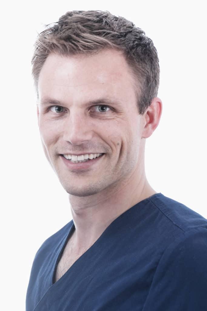 Dr Bastian Schmied