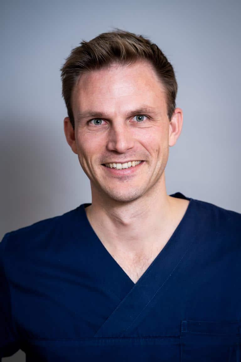Dr. Schmied | Experte für Zahnimplantate